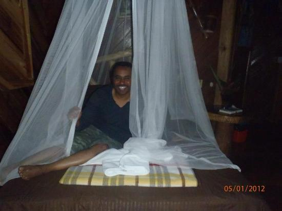 Hotel La Costa de Papito: All the beds have mosquito nets, common for the area
