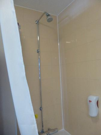 Premier Inn Glasgow City Centre (George Square) Hotel: Shower