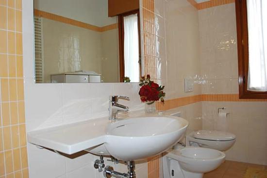 Anna B&B - Bathrooms