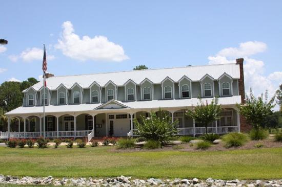 The Inn at Blueberry Plantation Golf & Country Club