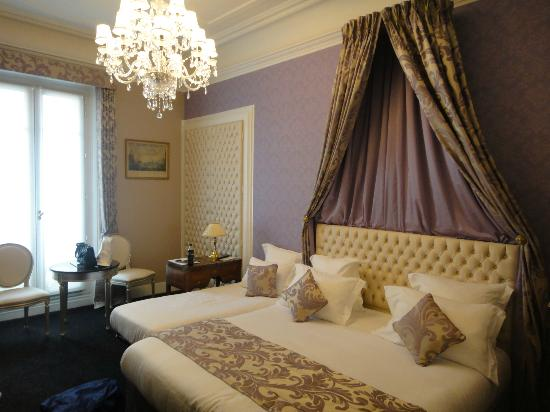 Hotel Claridge: Inside room