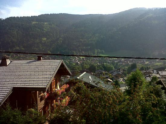 Hotel-Chalet La Renardiere: Room with a view