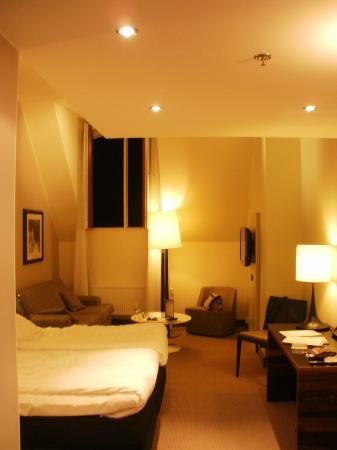 Elite Hotel Marina Tower: Room