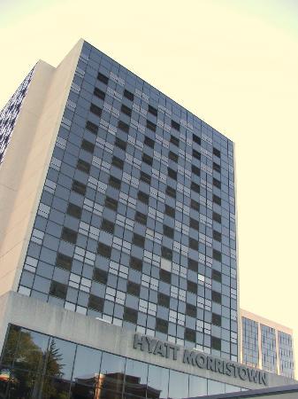 حياة موريستاون: HOTEL EXTERIOR