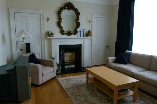 Tigh Na Leigh: TV room