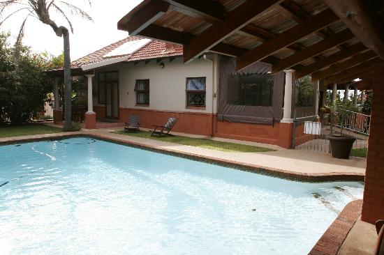 Ocean Park Guest House : The pool