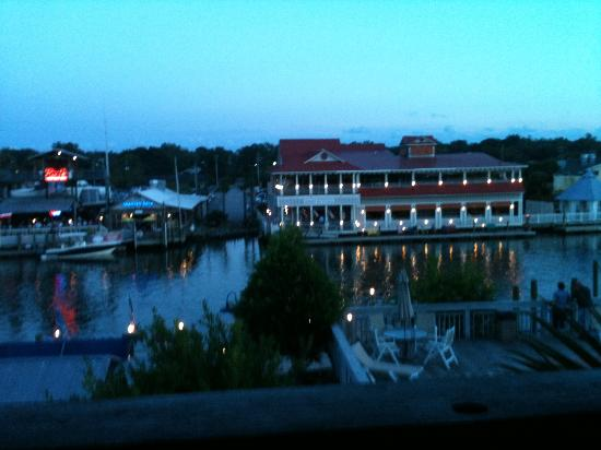 Shem Creek Inn: View from our balcony