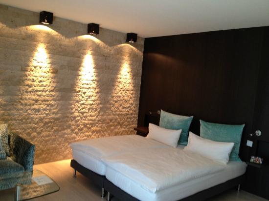 Der Blaue Reiter: Kubus room bedroom.