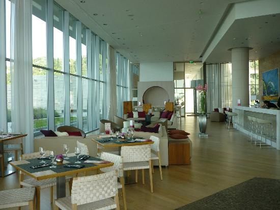 Radisson Blu Resort & Spa at Dubrovnik Sun Gardens: Maraska Bar