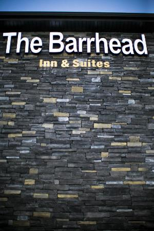 The Barrhead Inn & Suites: Outside Face