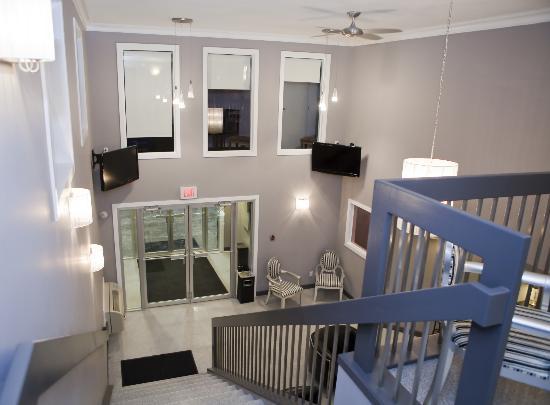 The Barrhead Inn & Suites: Lobby