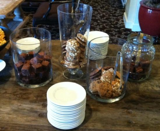 Fairmont Miramar Hotel & Bungalows: Conference snacks (after the crowd came through!)