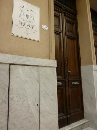 Zorzal Mane : the door