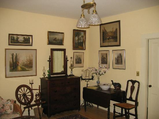 The Woodruff House Bed and Breakfast: Queen room #1 ...