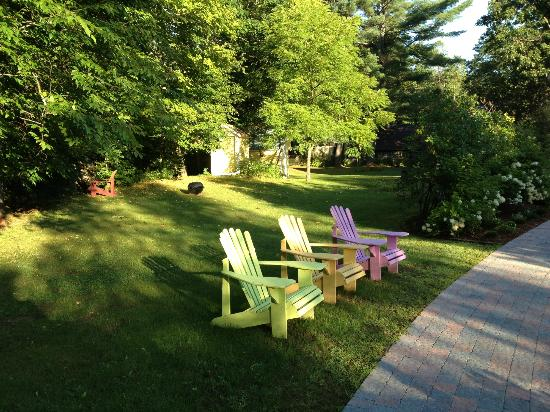 The Woodruff House Bed and Breakfast: Adironcack chairs in which to enjoy your coffee