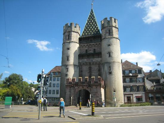 Basel Running Tours: Spalentor-one of the three old gates in Basel
