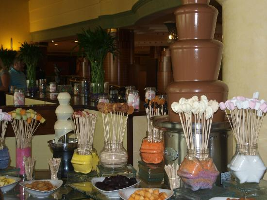 Al Raha Beach Hotel: Friday brunch. Kids Heaven