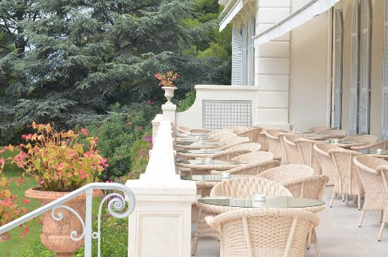 Breakfast terrace picture of hotel du cap eden roc for Breakfast terrace