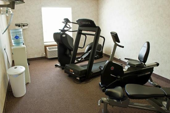 Quality Inn & Suites: 24 Hour Fitness Room