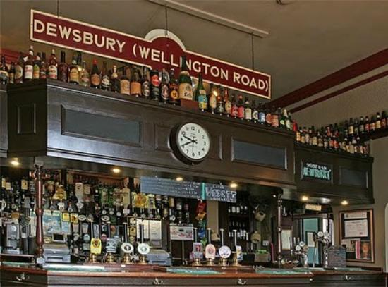 West Riding Refreshment Rooms: Main Bar