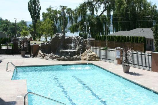 Waltons Lakefront RV Resort: Swimming Pool