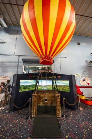 Fantasy of Flight: Kids Hot Air Balloon Game Simulator