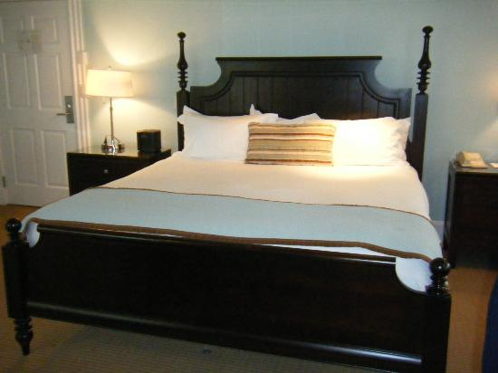 Harbor View Hotel: bed