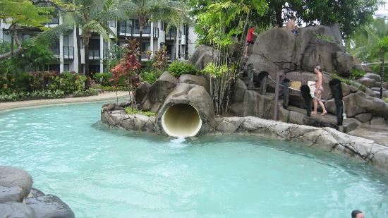 Radisson Blu Resort Fiji Denarau Island: The water slide where the kids mainly hang around.