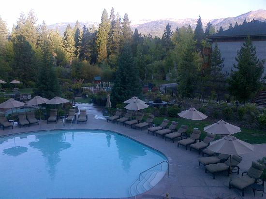 Hyatt Regency Lake Tahoe Resort, Spa and Casino: Pool area with Kids Playground