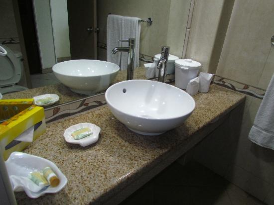 Breezes Resort & Spa Bahamas: Sink