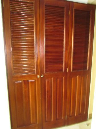 بريزيس ريزورت بهاماس أول إنكلوسيف: Closet - safe inside