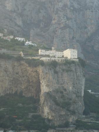 Monastero Santa Rosa Hotel & Spa: way up on the cliff