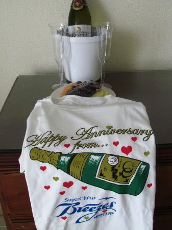 Breezes Resort & Spa Bahamas: Anniversary gift from the resort