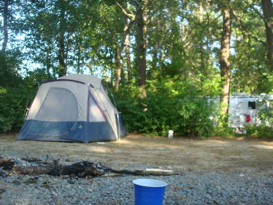 Peters Pond RV Resort: Our tent