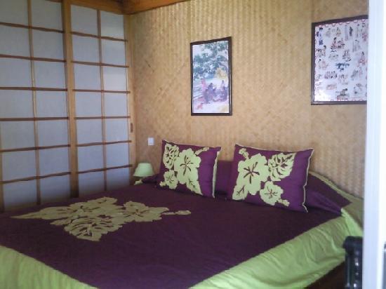 Fare D'Hote Tehuarupe Hotel: intérieur du bungalow