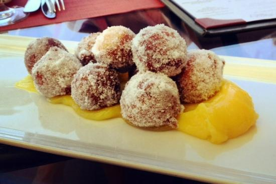 ‪‪Montage Beverly Hills‬: Beignets with house-made lemon curd!