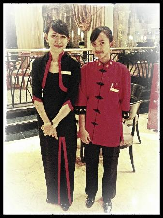 Sheraton Surabaya Hotel & Towers: Friendly hotel service ladies