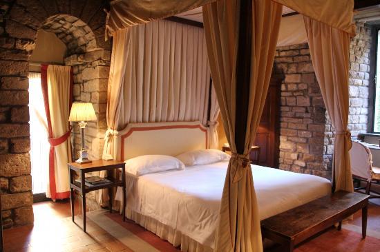 โรงแรมลันการ์โน: Room interior