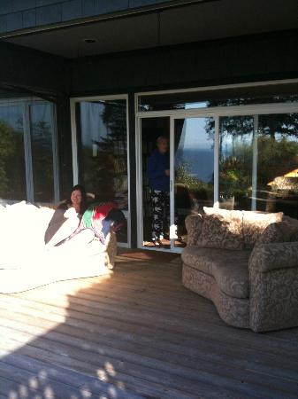 Dancing Firs Bed and Breakfast: The deck