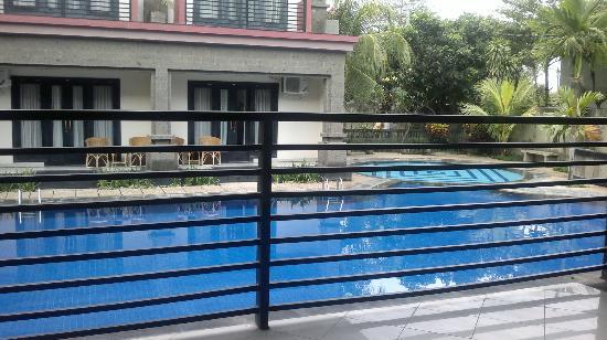 Taman Tirta Ayu Pool and Mansion: kolam renang yang besar