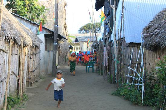 Cabanas Carti: calles de la isla