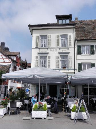 Hotel Restaurant Schiff: hotel's right on Rhine River