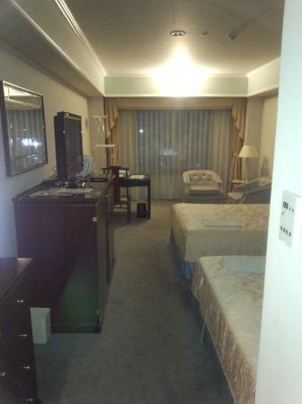 Kurashiki Royal Art Hotel: 調度も豪華で、テレビも37インチでした。