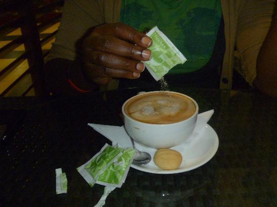 Bourbon Cafe: cafe au lait