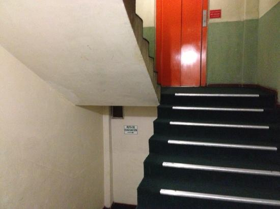 Hotel Saint: stairs to the rooms