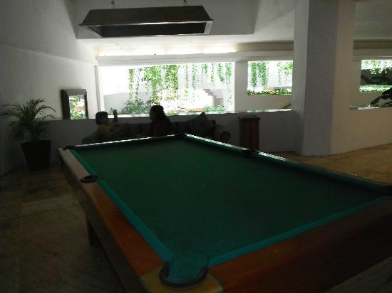 Friendly Vallarta Resort: pool table upstairs