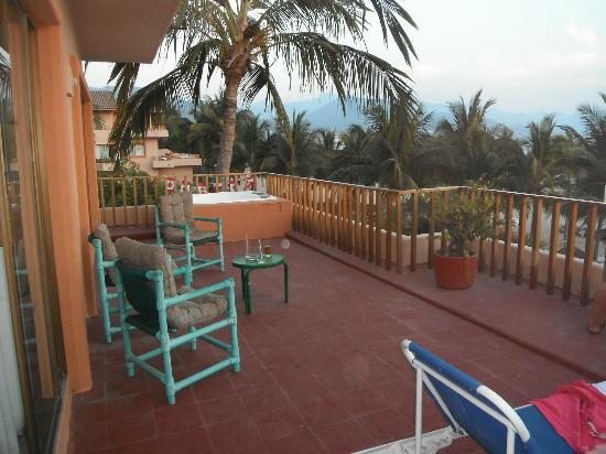 Friendly Vallarta All Inclusive Family Resort: the awsom joined balcony