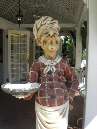 Town and Country San Diego: Statue outside of Terrace Cafe