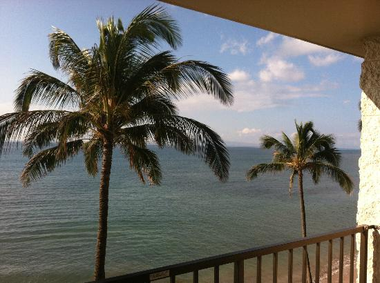 Kanai A Nalu Condominium Resort: View from Lanai of unit 420