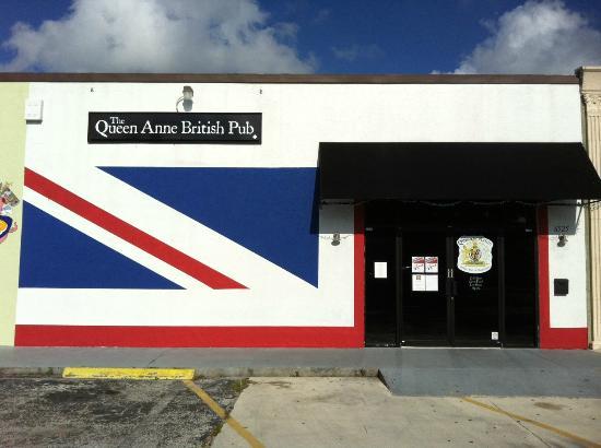 Queen Ann British Pub & Restaurant: The Queen Anne Pub at Gulfgate, Sarasota, FL